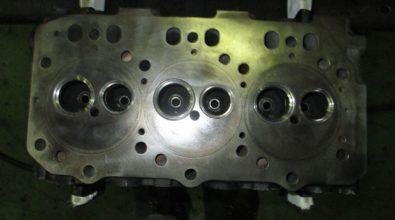 シリンダーヘッド 平面研磨加工事例