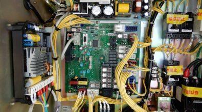 ファッションチェーン店の非常用発電装置 制御基盤交換作業